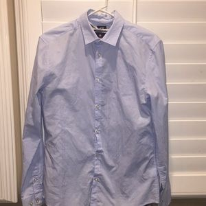 Lot of 4 men dress shirts in excellent condition
